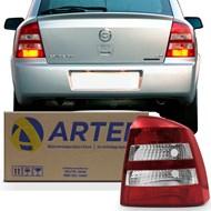 Lanterna Traseira Astra Hatch 2003 a 2011 Ré Cristal Arteb Lado Direito (Passageiro)